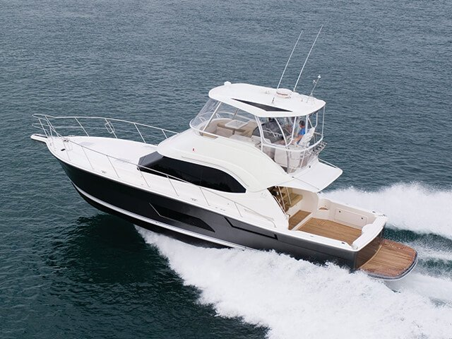 Riviera 43 Open Flybridge Running