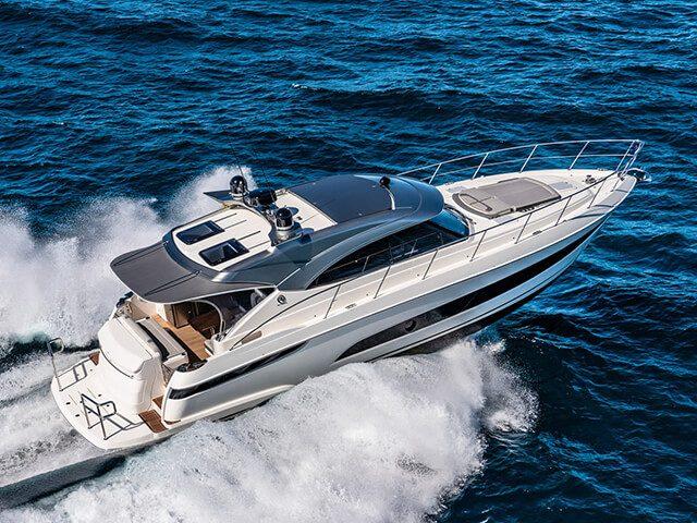 tpRiviera-4800-Sport-Yacht-Series-II-Platinum-Edition-Running-05