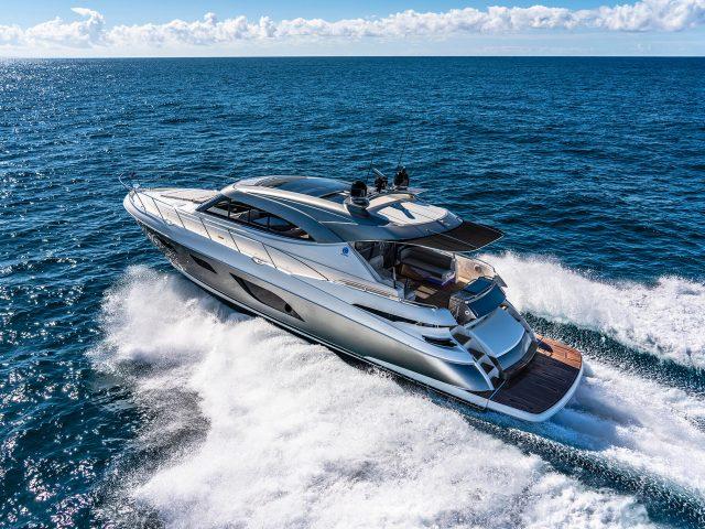 tptpRiviera 6000 Sport Yacht Platinum Edition Running 07 (1)